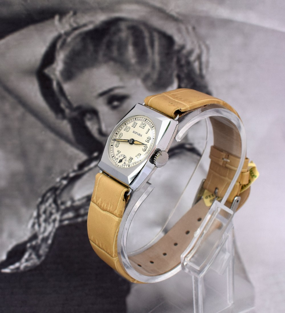 art deco ladies wristwatch old stock never worn newly serviced 1930